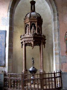 Baptistère de St-Melaine, datant de 1660.